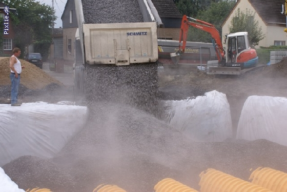 http://www.eurofiltrator.de/ueber_uns/cache/vs_200%20m3%20Regenwasserr%FCckhaltung%20mit%20SC%20740%20Kammern_DSC00779.jpg